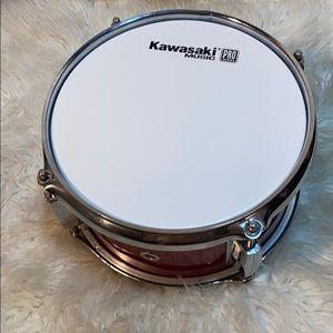 KAWASAKI MUSIC PRO SERIES SINGLE RED SNARE DRUM